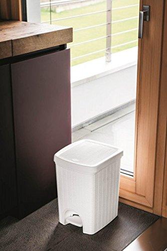 tretm lleimer im rattan design mit herausnehmbaren einsatz. Black Bedroom Furniture Sets. Home Design Ideas